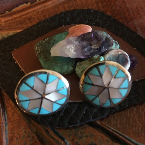 Vintage Jewelry - Native American Turquoise and Pink Shell🌸Earrings